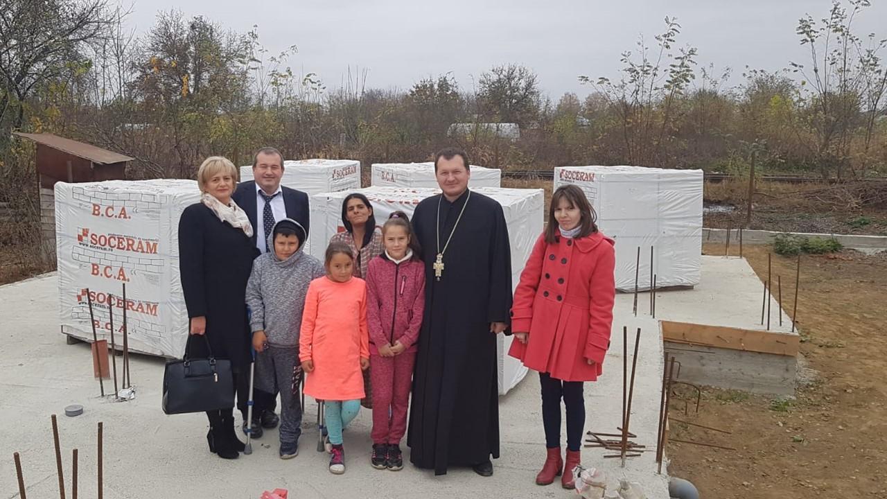 BISERICA SE IMPLICĂ ÎN AJUTORAREA UNUI COPIL GRAV BOLNAV ȘI A FAMILIEI SALE