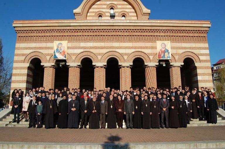 Read more about the article DESCHIDEREA OLIMPIADEI NAŢIONALE DE RELIGIE, ÎN ARHIEPISCOPIA TÂRGOVIŞTEI