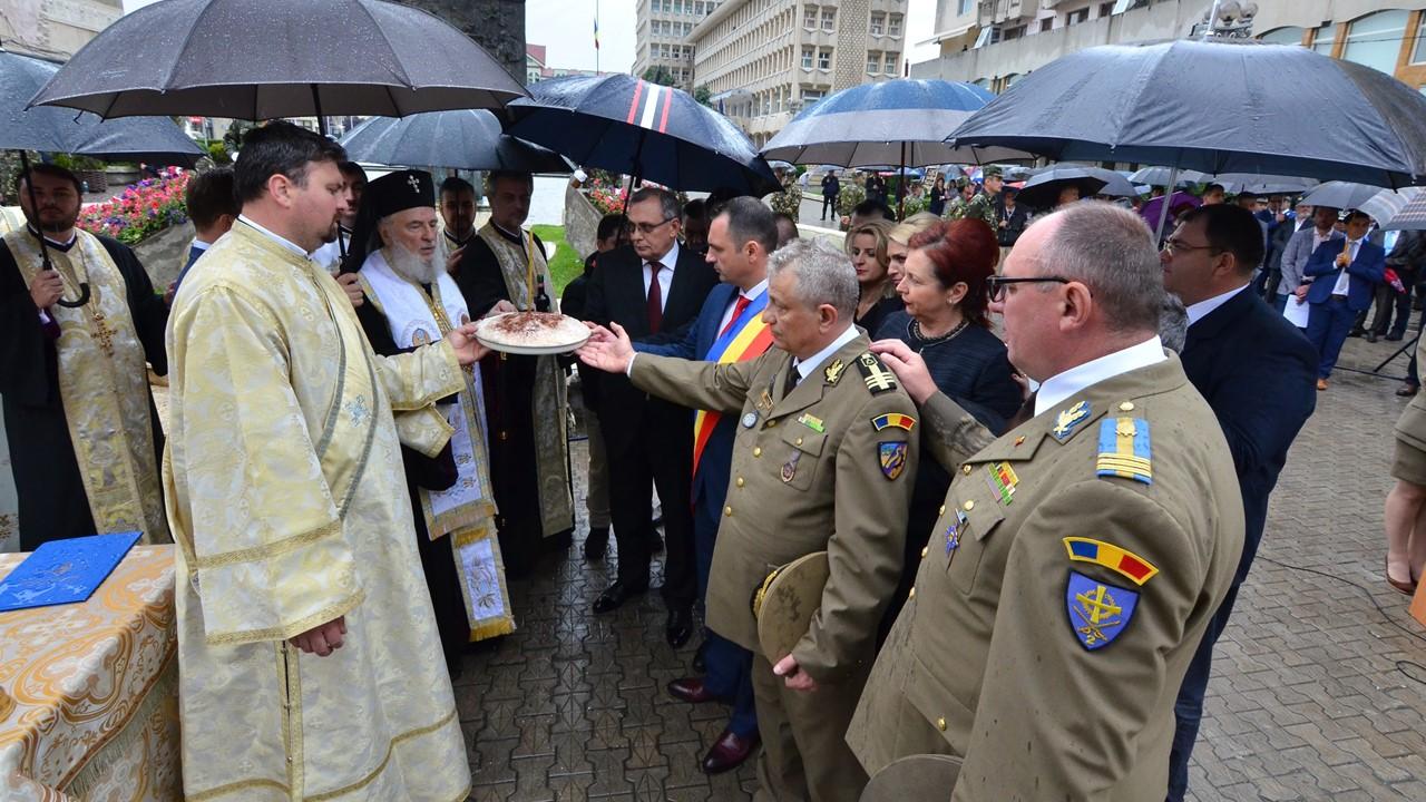 ÎNĂLȚAREA DOMNULUI ȘI ZIUA EROILOR – HRAMUL CATEDRALEI DIN TÂRGOVIȘTE