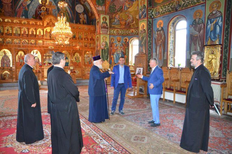 Read more about the article VIZITĂ PASTORALĂ A I.P.S. MITROPOLIT NIFON ÎN MUNICIPIUL TÂRGOVIŞTE